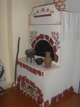 Макет русской печи в стилизованной избе детского сада города